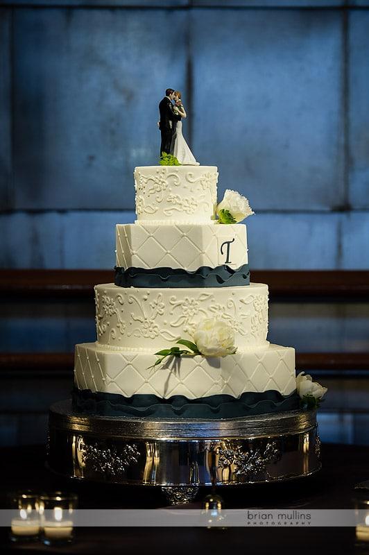wedding cake at bay 7