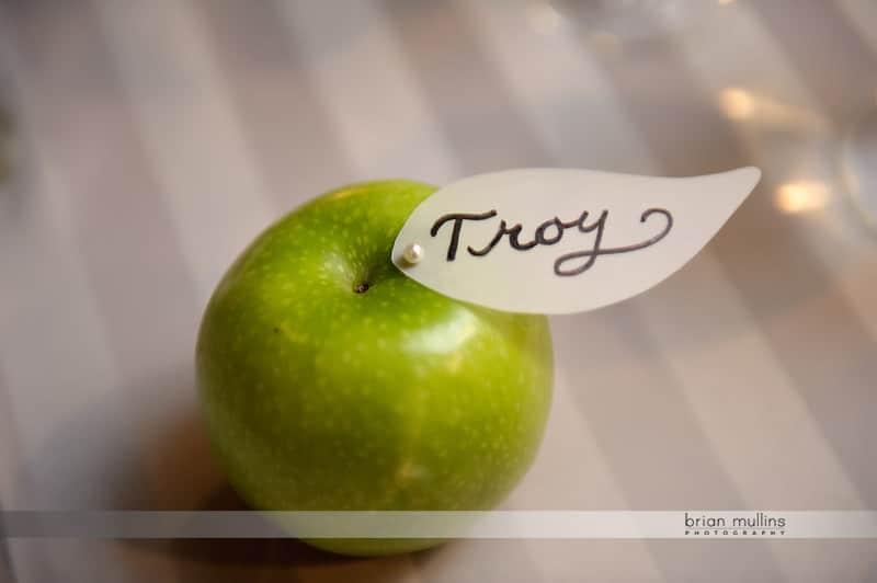green apple name card holder