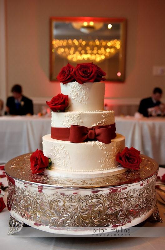 wedding cake by sweet memories