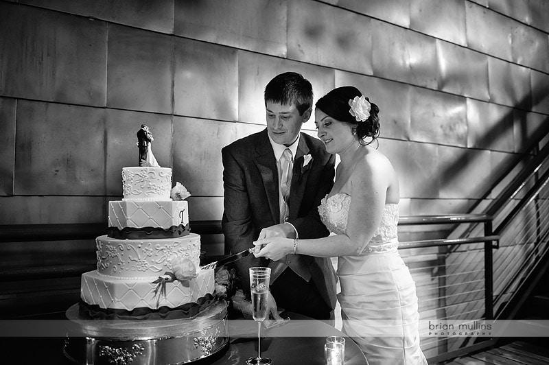 wedding cake cuttng at Bay 7