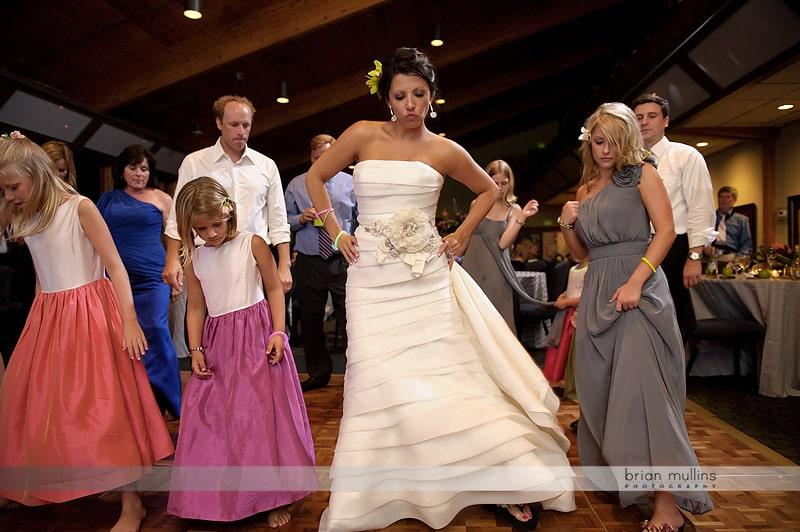 bride dancing at crest mountain wedding reception