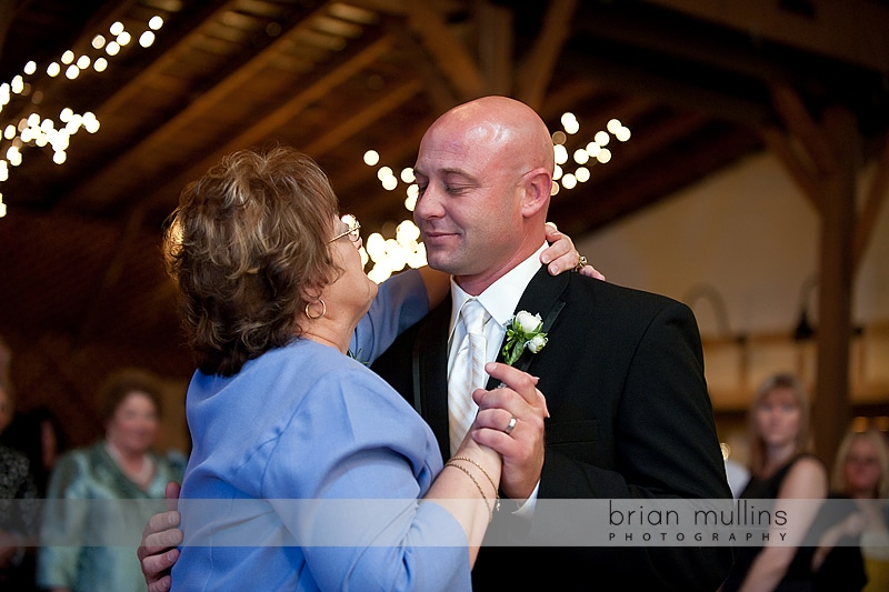 groom and Mom dance at wedding reception