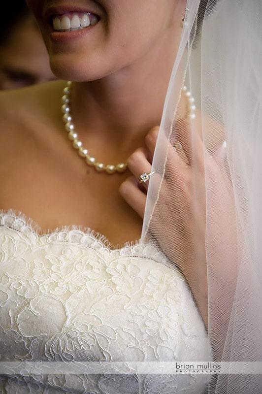photo of brides jewelry