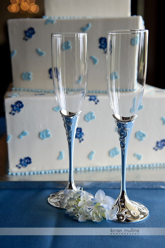 UNC champagne flutes