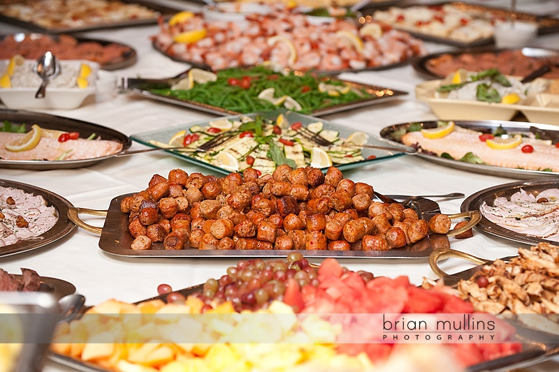 cafe luna catering at wedding reception