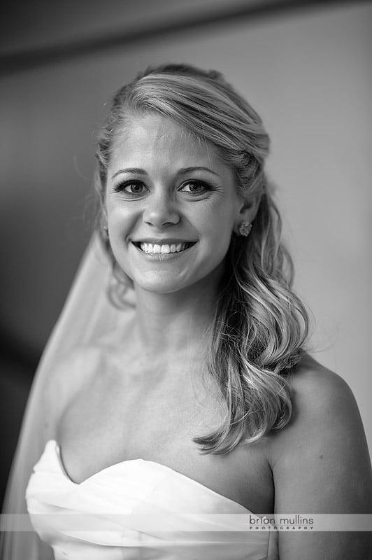 B&W bridal portrait