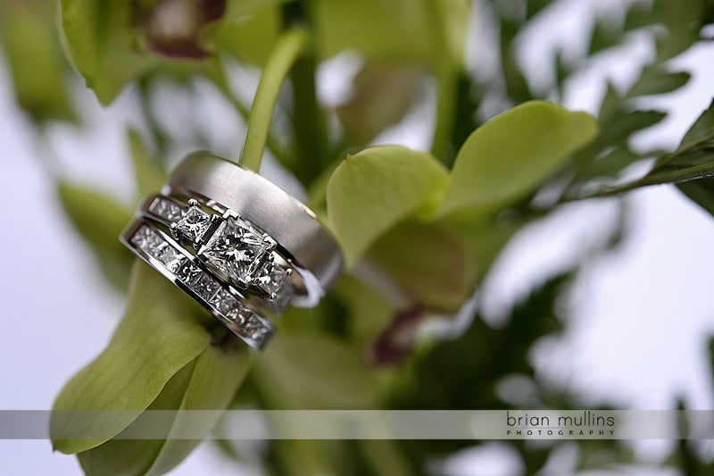 unqiue wedding ring photography