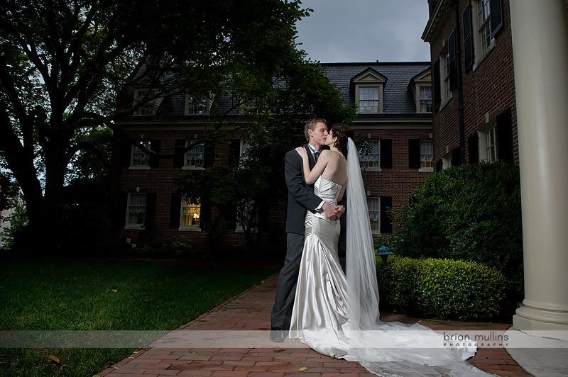 carolina inn wedding photo